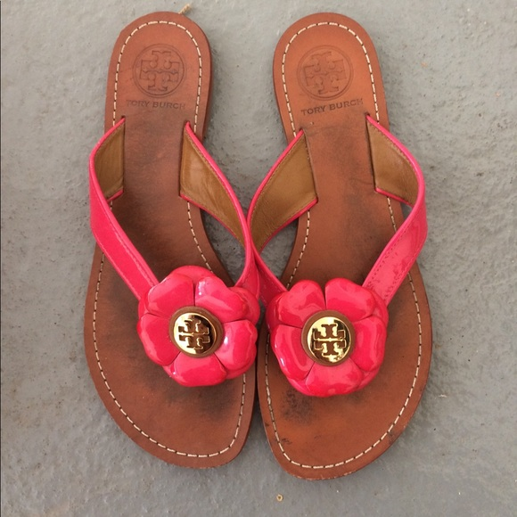 5bc7bab095629e LAST CHANCE Tory Burch flower sandals. M 5a5d070900450f4606974ad8